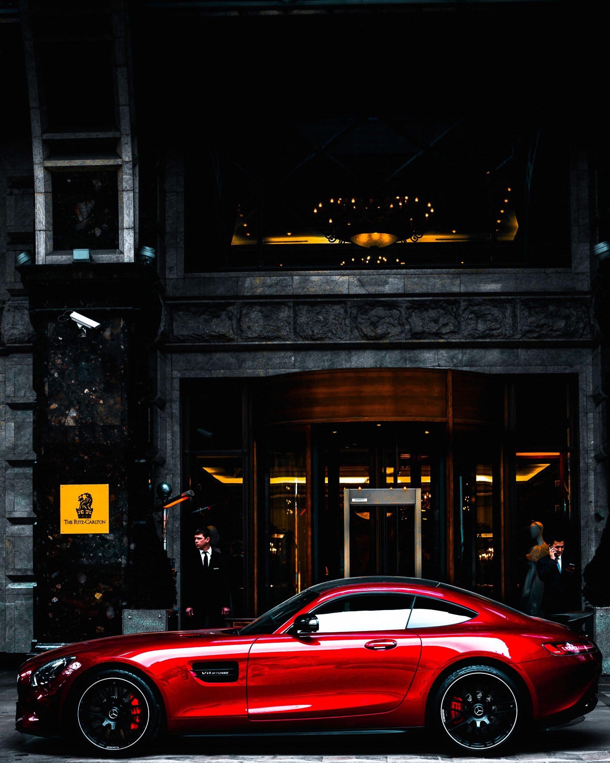 amg GT vor dem Ritz Carlten